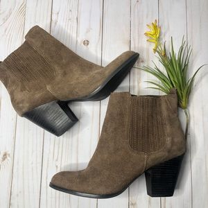 Nine West Gaianna Chelsea Stacked Ankle Bootie 10